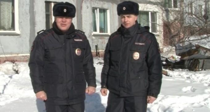 Камчатские полицейские спасли семилетнего ребенка из горящей квартиры