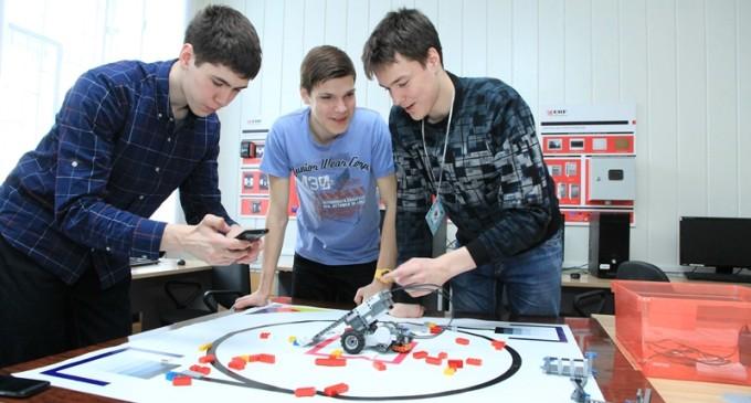 Финалисты Science Game в Томске запрограммируют роборуку