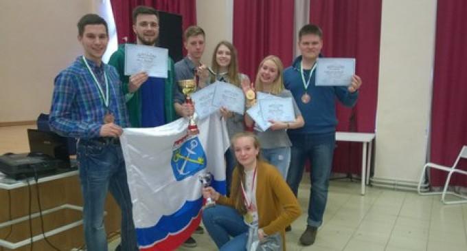 Победа в молодежных дебатах — у Ленинградской области