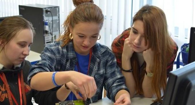 Молодогвардейцы предложили создать единую всероссийскую карту студента