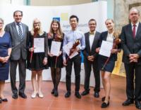 Выпускница школы «Петришуле» заняла 3-е место в финале Международных молодежных дебатов
