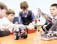 Красноярские школьники создали робота-медбрата и робота-поводыря