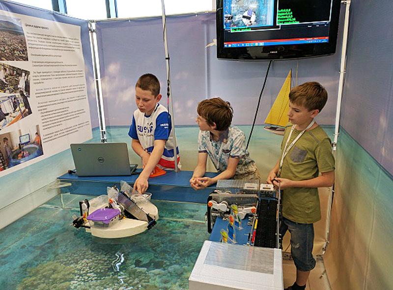 Команды из Санкт-Петербурга снова завоевали медали на Всемирной олимпиаде роботов