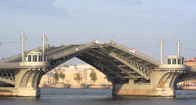 Благая весть, мосты наводящая…