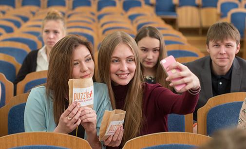 Студенты показали, как рекламировать кино