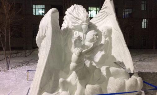 Жар-птица приморских студентов победила на международном конкурсе снежных скульптур в Китае