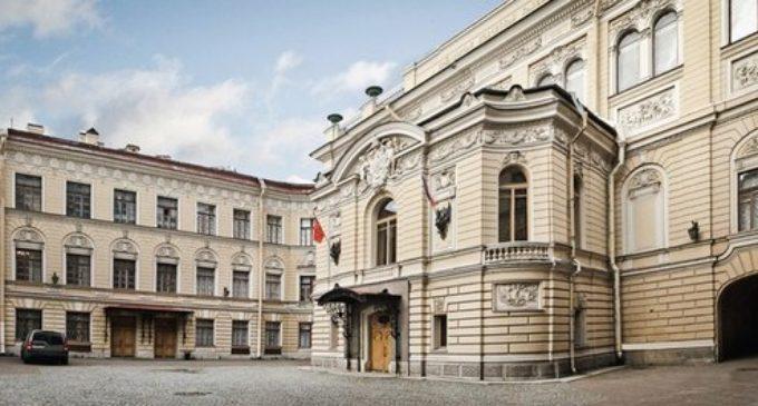 Специально к новогодним праздникам Капелла Санкт-Петербурга подготовила интересную и разноплановую программу