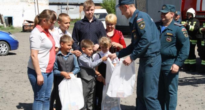 Молодой новосибирец получил награды МЧС за подвиг на пожаре