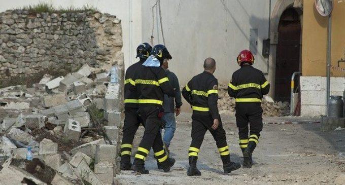 Чудесное спасение семимесячного ребенка из-под обломков дома в Италии