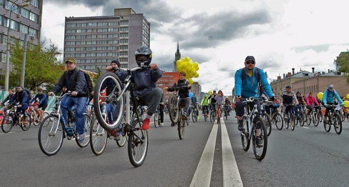 Осенний велопарад в Москве собрал 20 тысяч участников