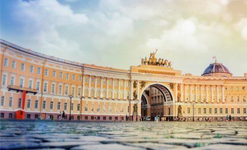 Шесть экскурсионных маршрутов станут бесплатными в Петербурге