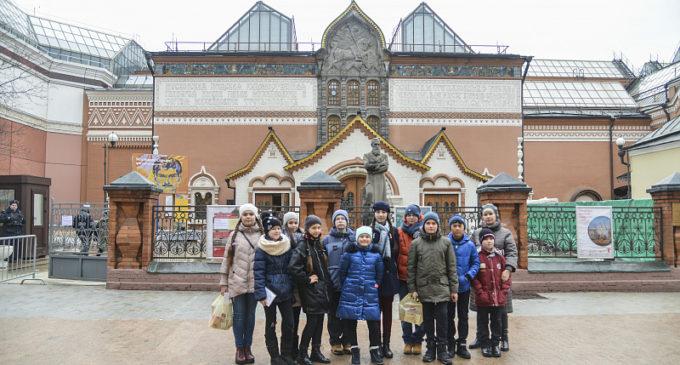 Лучшие ученики хабаровских школ провели новогодние каникулы в Москве