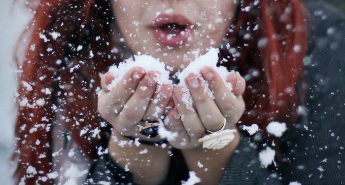 Барнаульские ученые выяснили, что большинство снежинок имеют глиняную сердцевину