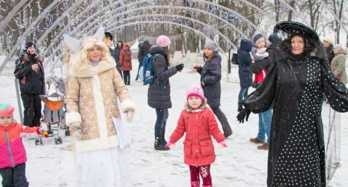 Городские музеи Владимира показали премьеры в уличном формате…
