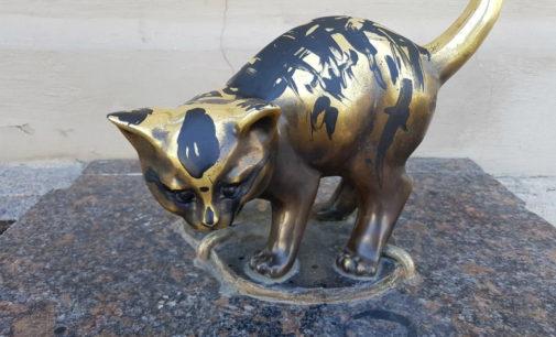 Чижика-Пыжика  и другие скульптуры-символы Петербурга защитят от хулиганов законом