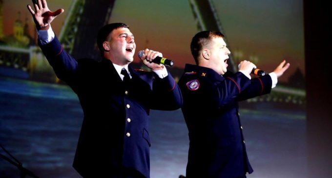 Эту песню запевает молодежь! Полицейская молодежь…