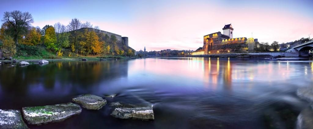 Narva-Castle-and-river_bySergeyChetvertnoy-3_preview