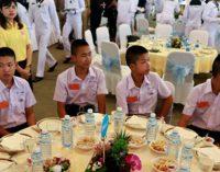 В Бангкоке чествовали героев спасения детей из пещеры