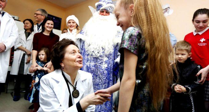 Когда вместо пилюль и врача — Дед Мороз и подарки!