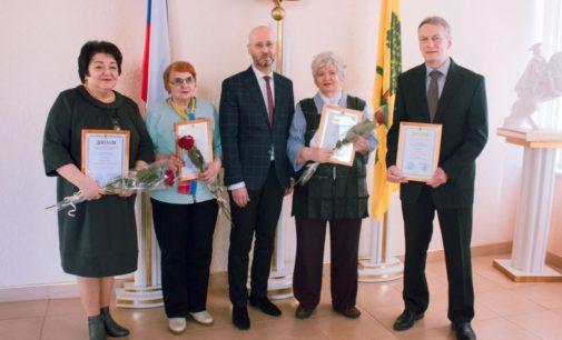 Лучшим липецким литераторам вручили городскую премию Алексея Липецкого