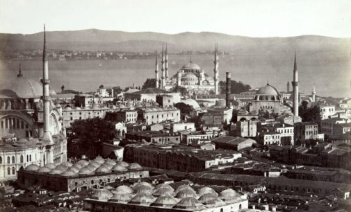 «Закрыв глаза, я слушаю Стамбул…»