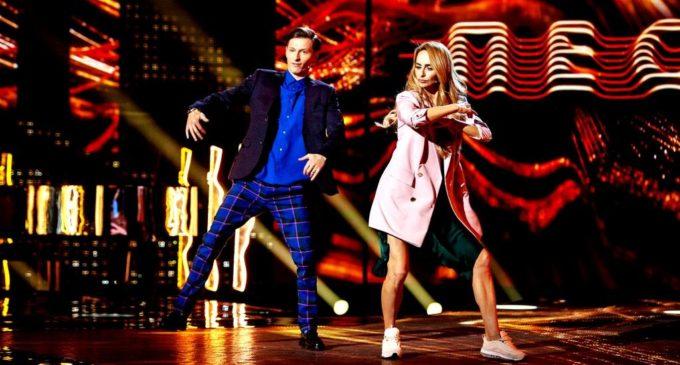Павел Воля станцевал на сцене шоу «ПЕСНИ» на ТНТ