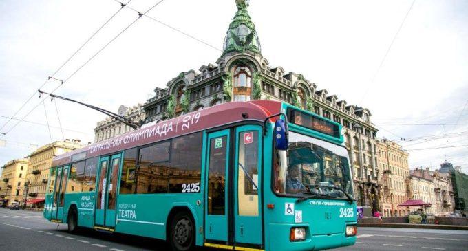 Трамвай и троллейбус стали амбассадорами Театральной олимпиады 2019