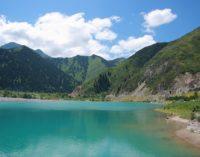 Инициативная молодежь со всего мира встретится на озере Иссык-Куль