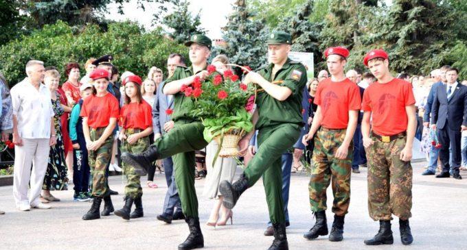 В Ульяновске состоялся митинг, посвящённый 76-й годовщине победы советских войск в Курской битве