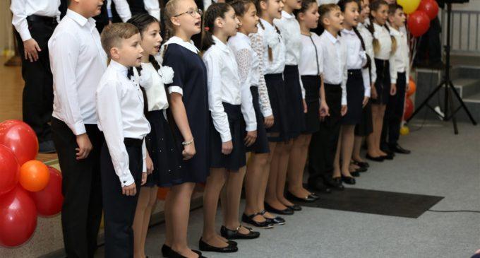 В школы Сургута пошло рекордное количество первоклассников
