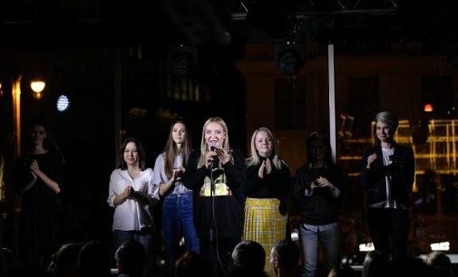 На телеканале ТНТ выходит новое комедийное шоу  «Женский Стендап»