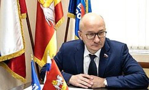 Сенатор Олег Цепкин. Часть зарплаты — на благое дело…