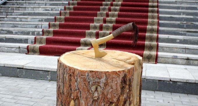 В Туве стартовал конкурс резьбы по дереву «Уран балды»