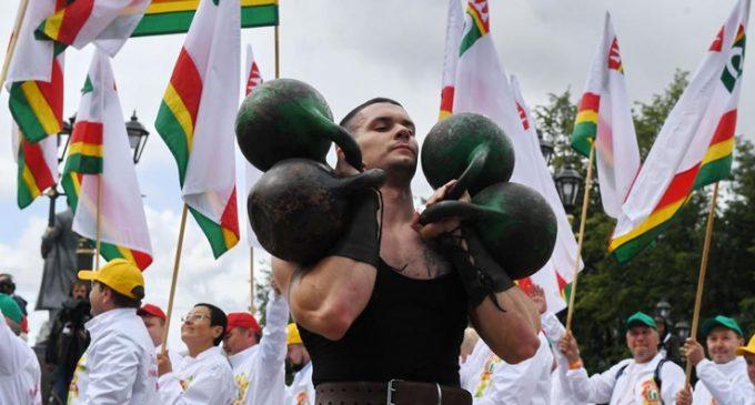 Областные спортсмены собрали почти полтысячи медалей