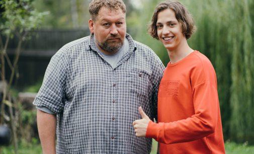 Андрей Леонов и Станислав Дужников нашли новую семью на СТС