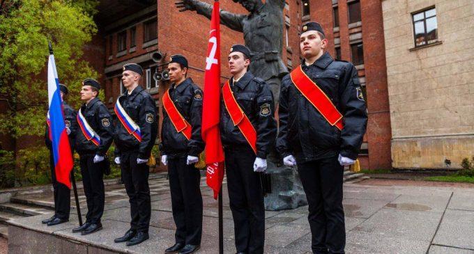 Романтика морских специальностей: в Петербургском ЛЭТИ отмечают День моряка-подводника