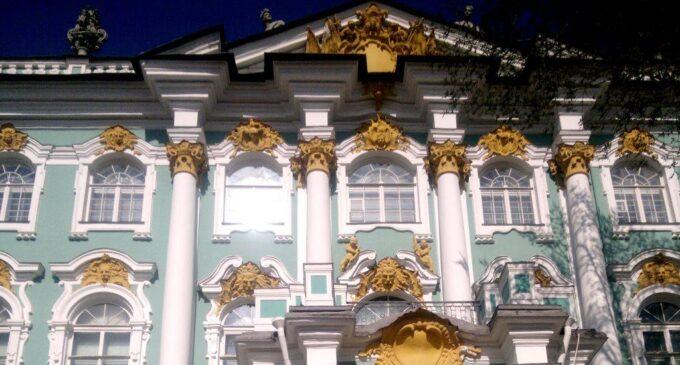Петербург возглавил рейтинг популярных экскурсионных направлений этого лета
