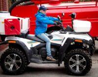 Когда пожарные машины включают сирены ради… Гонки по горизонтали!